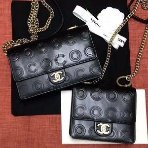 $300 chanel coco handle Chanel bucket bag